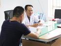 湛江治疗前列腺专家为患者诊疗